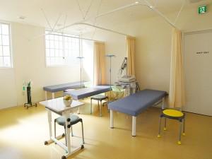外山内科クリニック処置室
