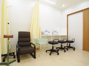 高田駅前耳鼻咽喉科処置室